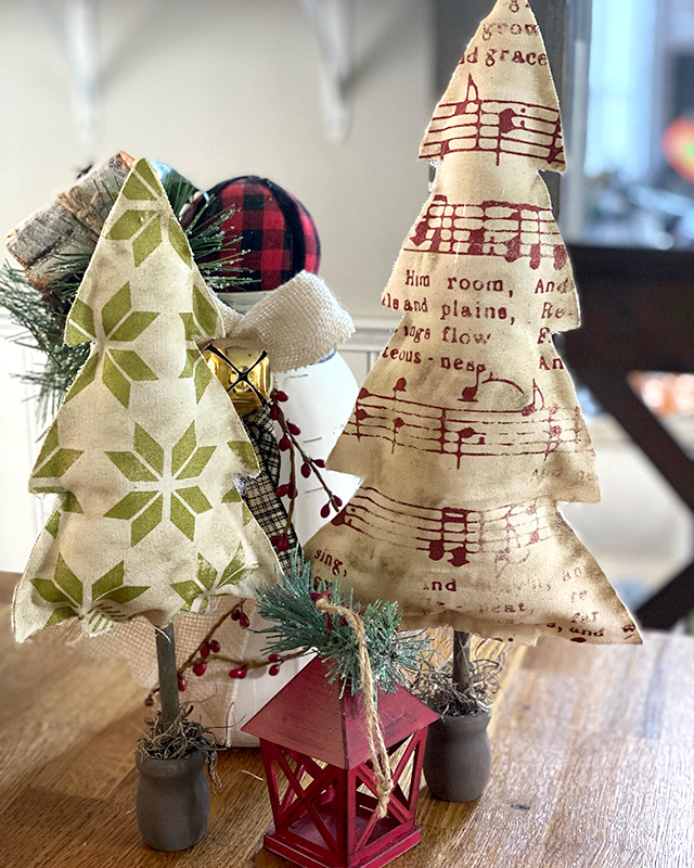 Joy to the World Hymn transfer on Stuffed Fabric Trees? Yes Please!
